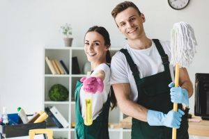 What are the benefits of hiring professional house cleaning services